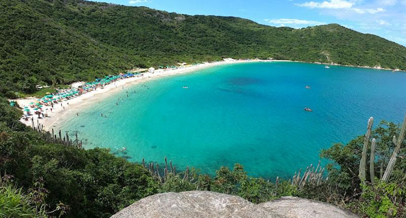 Melhores praias do Brasil: conheça 10 opções incríveis - Praia do Forno – Arraial do Cabo